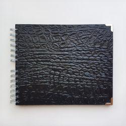 Album cocodrilo negro textura A4