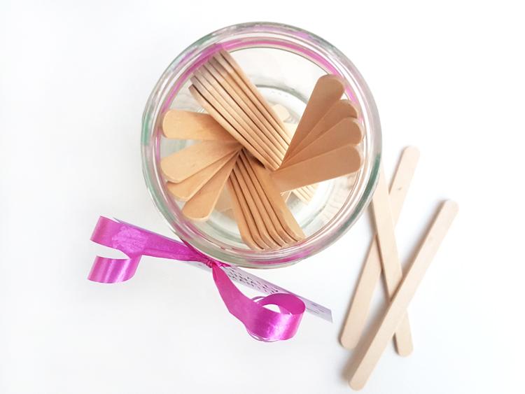 palitos madera juego cita romantica