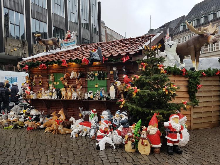 Puesto Mercadillo navideño con figuras